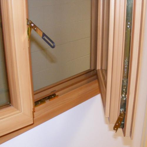 Lorenzo calvitti serramenti serramenti in pvc isolamento termico costruzione ristrutturazione - Ristrutturazione finestre in legno ...